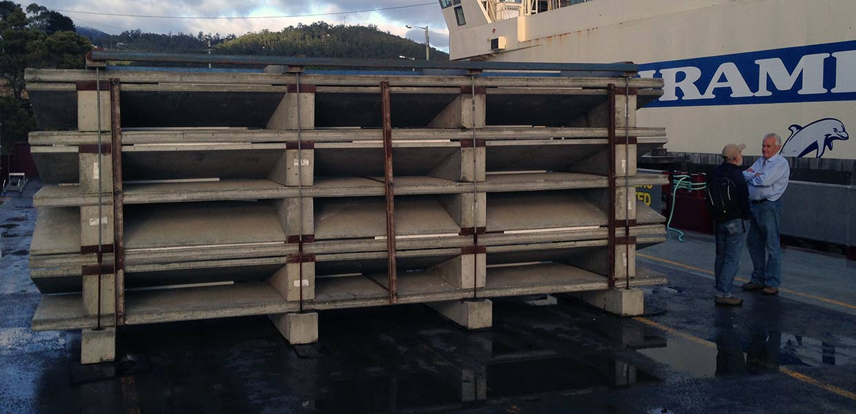 Preparing for launch of Taroona Artificial Reef